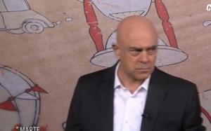 """Maurizio Crozza: """"Pd compatto come il Toblerone"""". E imita Bersani"""