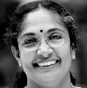 Kerala, rissa in Parlamento: deputata morde all'orecchio un collega