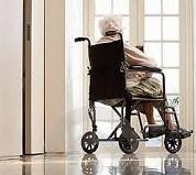 Si fa pagare 400 giorni di permesso per assistere madre malata, ma non era vero