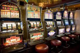 Giochi, addio a 100mila slot machine