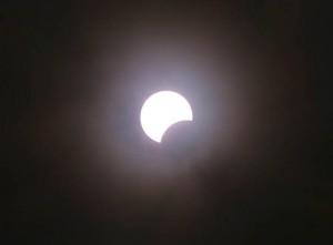 Eclissi solare 20 marzo, 6 persone al pronto soccorso per fastidi agli occhi