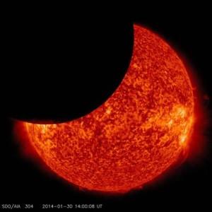 """Eclissi, che delusione. """"Grande spettacolo"""", ma dal vero non si vedeva un tubo"""