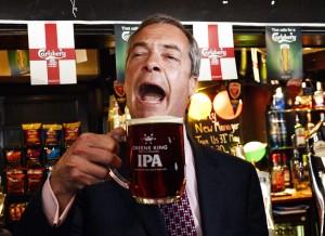 """Nigel Farage, gaffe sulle donne: """"Normale che guadagnino meno degli uomini"""""""