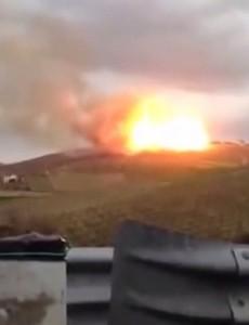 VIDEO YouTube Pineto, frana fa esplodere conduttura del gas: fiamme altissime