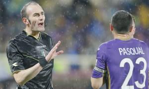 VIDEO, Fiorentina-Milan: arbitro Russo si infortuna ed esce ma partita continua