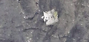 aereo GermanWings, soccorritori tra i rottami e le immagini della fusoliera