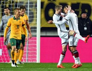 Calcio. Germania-Australia 2-2, Podolski evita la figuraccia