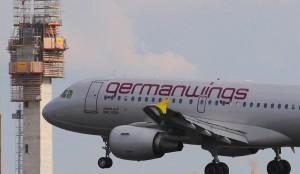 Germanwings, morti senza perché: incendio, litio, portellone, dirottatore non reggono