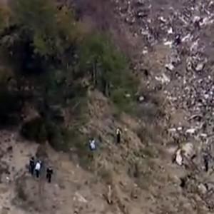 Germanwings, storie delle vittime: i tenori, gli studenti, gli sposini...