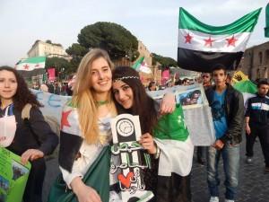 """Vanessa Marzullo: """"Tornerò in Siria con Greta"""". Salvini-Meloni: """"Restaci"""""""