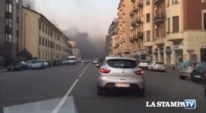 Incendio a Torino: fiamme alle poste di via Nizza VIDEO