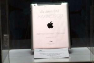 iPad Papa Francesco all'asta in Uruguay