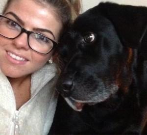 Joanna Mellor salvata dal suo cane Leo: fiuta infarto e sveglia il fidanzato
