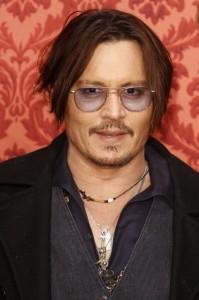 Johnny Depp ferito sul set dei Pirati dei Caraibi: torna negli Usa