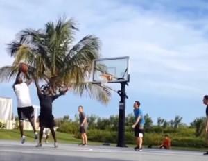 VIDEO YouTube, Michael Jordan gioca al campetto con Tom Brady