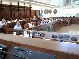 L'Aquila. Dirigente sospesa (non aveva portato l'acqua): giudice condanna sindaco