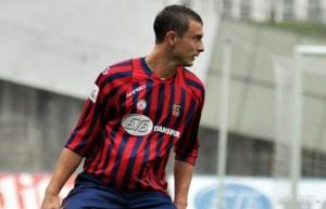 Michele Pini, il calciatore che smette di giocare per andare a fare l'operaio
