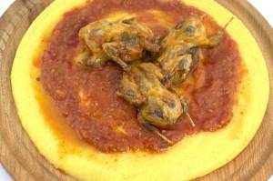 Bergamo, morta Rosa Pesenti: mangiava polenta e osei, ossicino perfora aorta