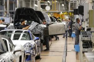 Porsche, bonus da 8.600 euro ai dipendenti: 2014 è andato meglio del previsto