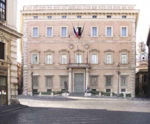 Roma, timbra cartellino a Provincia e poi esce senza lavorare: accusa di truffa