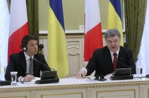 """Ucraina, Renzi da Poroshenko: """"Vogliamo rispetto della sovranità"""""""