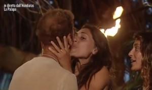 """Cecilia Rodriguez a Rocco Siffredi: """"Ci lasci il tuo c..."""" VIDEO"""