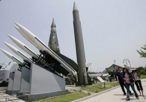 Corea del Nord lancia due missili in risposta a esercitazioni Usa-Seul