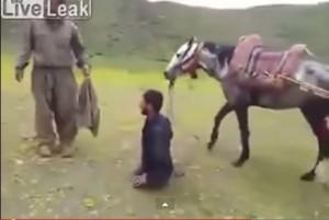 Video YouTube: uomo senza gambe riesce a cavalcare