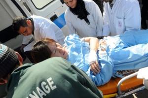 """Tunisi, superstiti raccontano: """"Erano ragazzi"""". """"Eravamo sul bus, ci hanno sparato"""" VIDEO"""