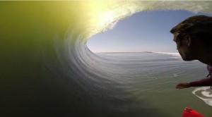 VIDEO YouTube - Il surfista e l'onda lunghissima