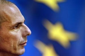 Varoufakis, dito medio alla Germania: vecchio video, nuovo strappo con Berlino