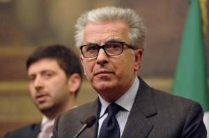 """Corruzione, Luigi Zanda: """"Approveremo norme prima di Pasqua, grazie a Pd"""""""