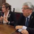 Luxuria-Carlo Giovanardi, urla e liti sulle droghe VIDEO