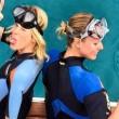 Alessia Marcuzzi e Federica Pellegrini nuotano insieme a Ponza FOTO
