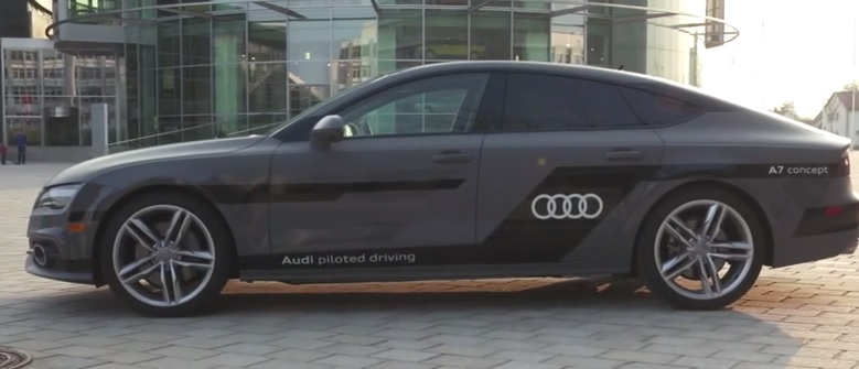 Audi A7 driving piloted, testata l'auto che si guida da sola