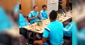 Chelsea, lo show di colpi di testa a tavola di Drogba e compagni