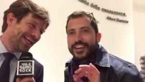 VIDEO YouTube: Pippo Civati canta De Gregori per Radio Rock