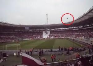 VIDEO YouTube Torino-Juve: bomba carta tirata da juventini. Web aiuta Polizia