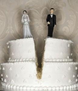 Divorzio, assegno mensile: come sale e come scende