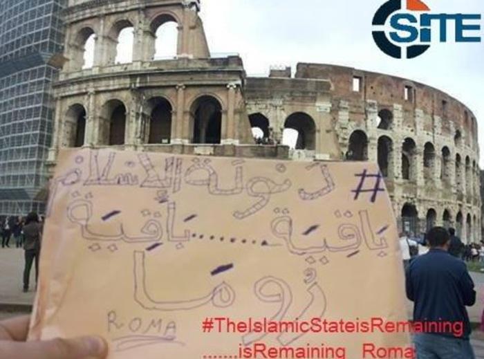 """Isis: """"Siamo a Roma e Milano"""". Selfie all'Expo su account Twitter jihadista"""