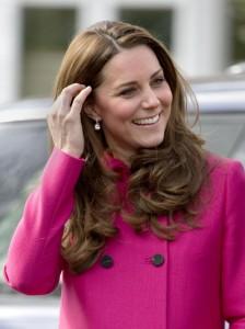 Kate Middleton, ipotesi parto indotto. Ma il royal baby potrebbe tardare ancora