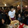 Napoli, M5s: Fico e Di Maio servono pizza per autofinanziamento regionali18