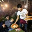 Napoli, M5s: Fico e Di Maio servono pizza per autofinanziamento regionali20