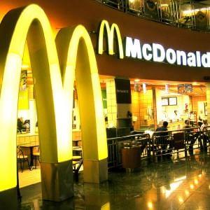 """Mc Donald's, M5S contro spot """"anti pizza"""": """"Via dagli sponsor Expo"""""""