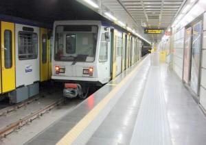 """""""Non prendete la metro il 1 maggio"""". Napoli e Milano, falsi """"allarme musulmano"""""""