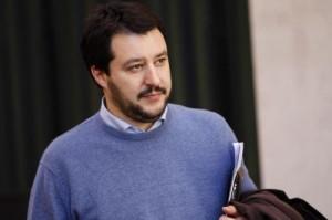 """Matteo Salvini: """"Campi rom? Li spianerei con la ruspa"""""""