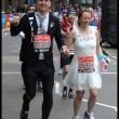 Laura Harvey e Paul Elliot si sposano durante Maratona Londra17