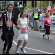 Laura Harvey e Paul Elliot si sposano durante Maratona Londra8181