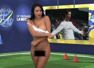 VIDEO YouTube - Legge una notizia su Cristiano Ronaldo e si spoglia...
