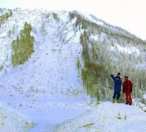 Valanga sulle Alpi francesi: 3 morti, 4 ancora sepolti dalla neve